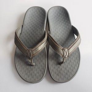 Vionic Gray FlipFlops Sandals Arch Support